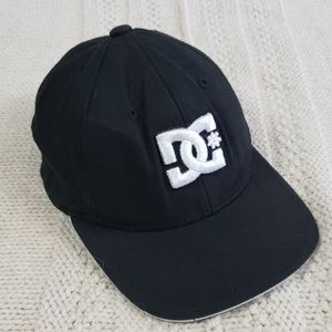 DC• flex fit hat youth one size